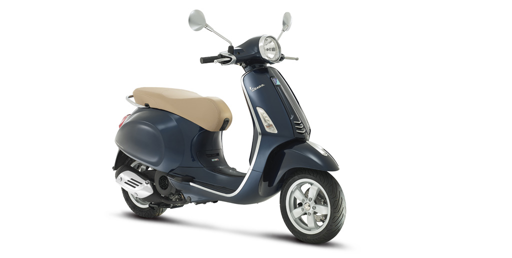 new vespa primavera 50cc arrives at scooter style. Black Bedroom Furniture Sets. Home Design Ideas