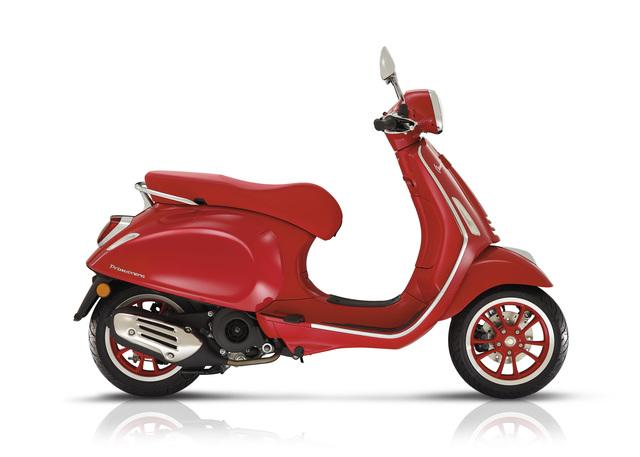 Vespa Primavera 150 (Red)