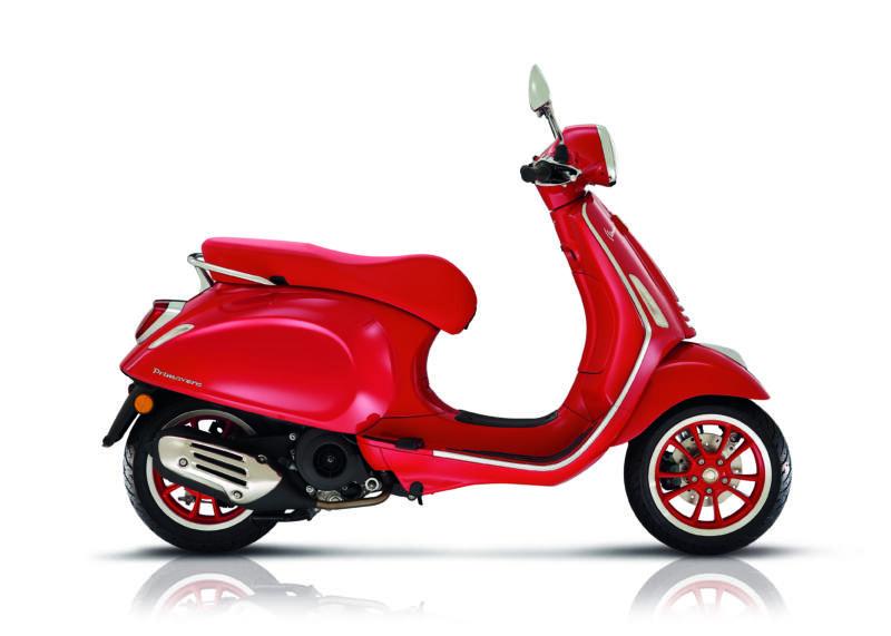 Vespa Primavera 150 (Red)